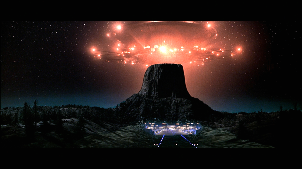 close-encounters-of-the-third-kind-scifi-drama-thriller-spaceship-d-wallpaper-1